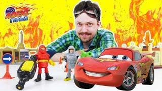 Алекс Гараж и #ТАЧКИ Пожар на гонках в РАДИАТОР СПРИНГС Распаковка пожарной команды Видео для детей