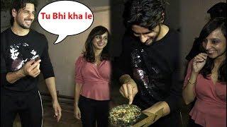 Download Siddharth Malhotra birthday celebration With Many Bollywood Stars Video