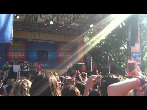 demi lovato Performing  Get back Good morning america july 6 2012