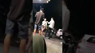Gái xăm trổ đánh nhau ở phố đi bộ