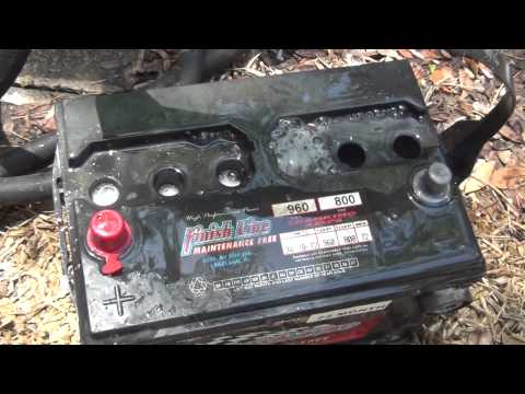 Cleaning Inside Of Car Battery Baking Soda/Water
