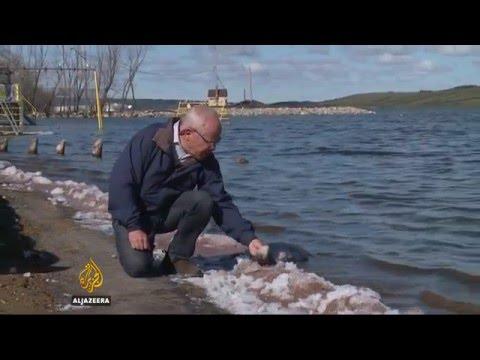 Canada's salt lakes help reduce carbon emissions