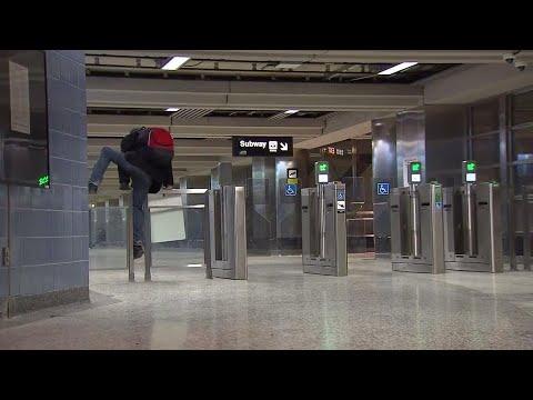 Un-fare way of riding the subway
