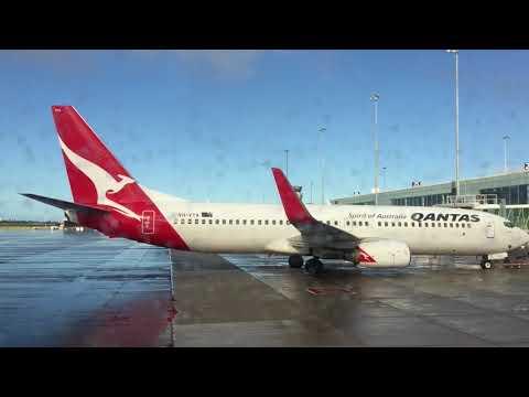 Qantas DOMESTIC Economy class: QF740 Adelaide to Sydney on B737-800