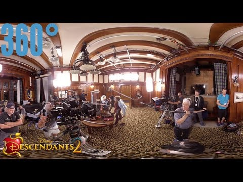 Auradon Prep Boys Dorm Part 2 BTS | 360° | Descendants 2