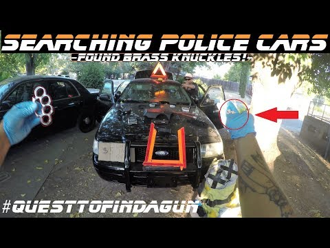 Searching Police Cars Found Brass Knuckles! Ford Crown Victoria p71
