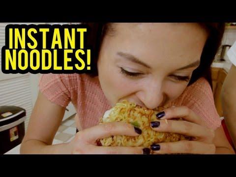 5 Ways to Eat Indomie Mie Goreng (Instant Noodles)