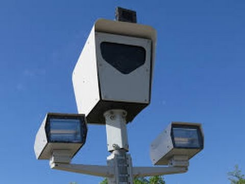 Faulty Speed & Red Light Camera at Mount Waverley. Blackburn St. and High St. Rd. intersection.