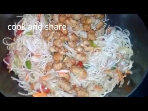 How to make egg chicken chowmein at home