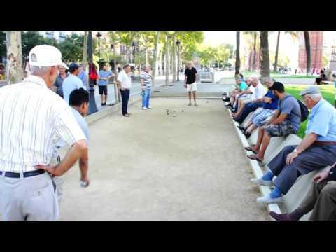 Pétanque Ball Game in Barcelona
