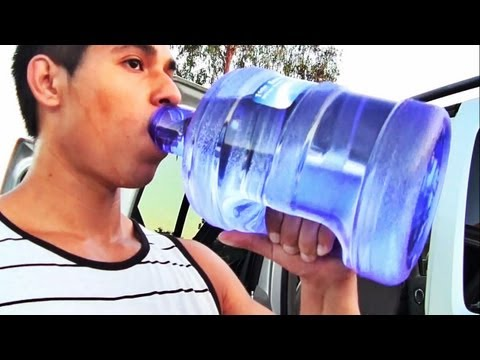 Easiest Way to Drink 1 Gallon of Water a Day!