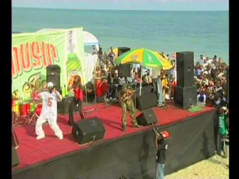 2 face idibia Performing @THE 8th ANNUAL KENNIS MUSIC FESTIVAL