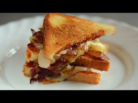 Toasts with caramelized onions and cheese recipe