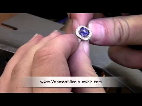 Antique Engagement Rings - Setting Blue Sapphire Into Antique Engagement Rings