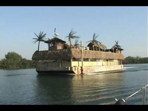 Tiki Boat.wmv