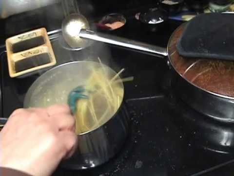 HOW TO MAKE ONE POUND OF SPAGHETTI NOODLES IN A SMALL POT