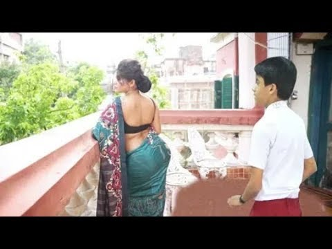 Xxx Mp4 मकान मालकिन से प्यार Part 1 In Love With Makan Malkin Bold Look Makan Malkin R Raj Creation 3gp Sex