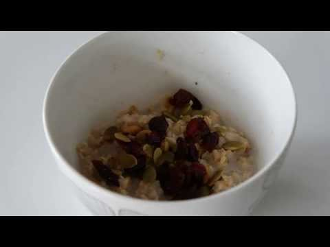 Quick Oatmeal - Cooking oatmeal fast in the microwave