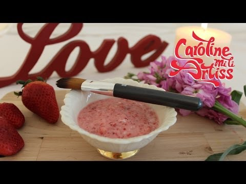 How to make a Strawberry Smoothie Facemask