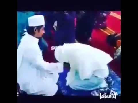 MUSLIM BRIDE TOUCHING HER HUSBAND FIRST TIME | BEST WHATSAPP STATUS