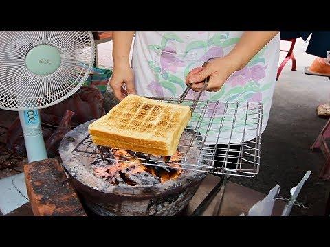 Grandma's Grilled Sandwiches - Taiwan Street Food | Charcoal Street Side Breakfast