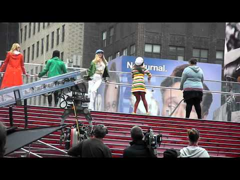 Glee Ladies Filming in NYC Times Square