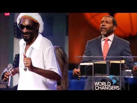 Creflo Dollar Rebukes Congregation For Criticizing Snoop Dogg