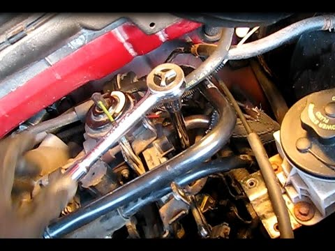 How to replace spark plugs on a 5.4L Ford F150 part 2: Driver's side