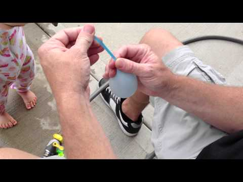 The easiest way to tie a water balloon