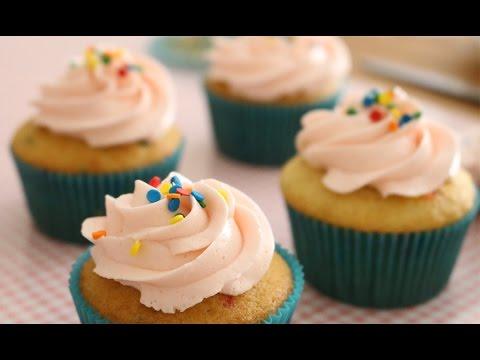 Funfetti Cupcakes Recipe | sweetco0kiepie