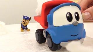 #Leo Junior und Chase gehen auf die Eisbahn - Oje, Leo muss Erste Hilfe leisten