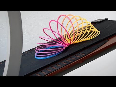 What Happens When You Put a Slinky on a Treadmill