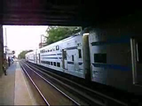 Dual Modes Pull a Train to Port Jeff