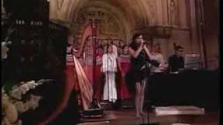 Bjork - All Is Full Of Love (live In Riverside Church Ny)