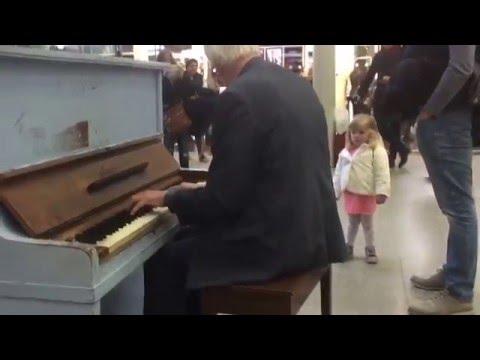 St Pancras Station - London Walkthrough