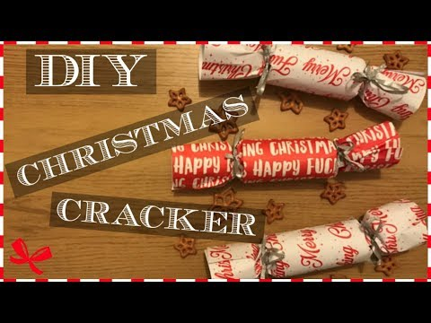 DIY Christmas Crackers! | 24 Chimes of Johanna Belle