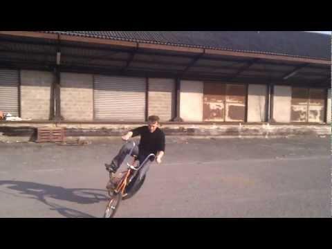 swing-MONSTER-bike tricks and donuts