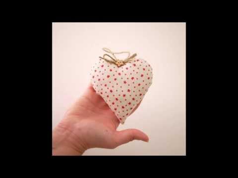 How to make a Christmas fabric heart