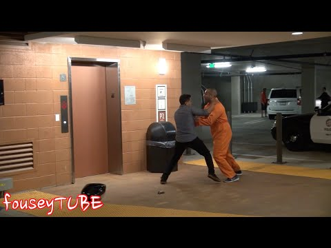 ESCAPED PRISONER PRANK!