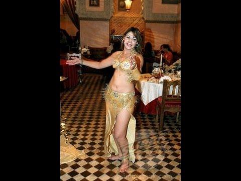 Xxx Mp4 شاهد فضيحة منى فتو رقص فاضح للممثلة المغربية منى فتو Fadihat Mona Fatto HD 3gp Sex