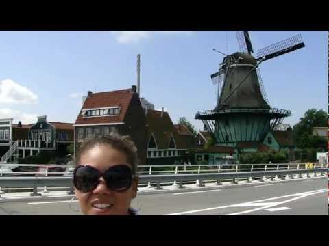 Moinhos (Windmills) e ponte retratil em Zaanse Schans perto de Amsterdam - Holland