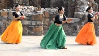 """""""Albela Sajan Aayo Re"""" by """"AASTHA"""" & students"""
