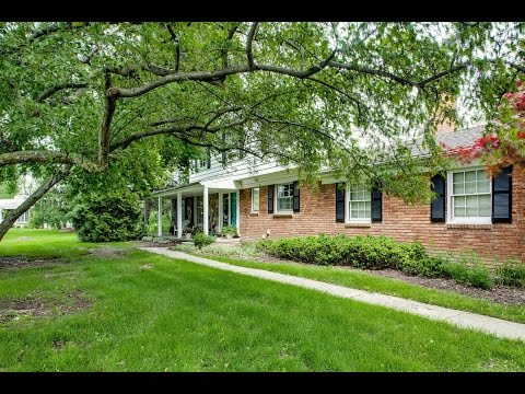 SOLD | 26082 Meadowview Farmington Hills MI | Pleasant Valley Farms Colonial