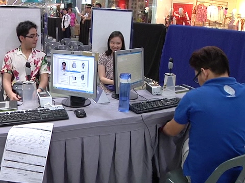 COMELEC distributes over 80,000 voter's IDs in NCR