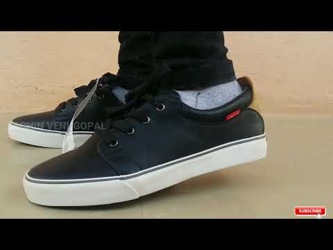 Levi's Justin Laced Sneakers (Black) Unboxing.