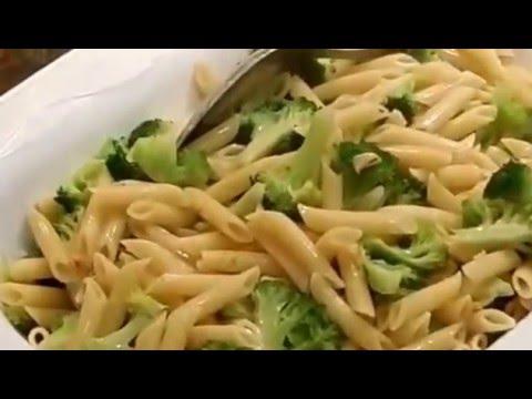 Pasta All'aglio e Olio- Pasta with Garlic,Olive Oil, and Broccoli.(Cooking With Josephine Romano)