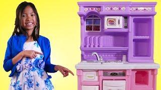 Wendy Pretend Play with Purple Kitchen Toy