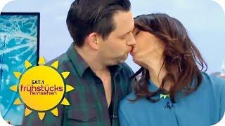 Der Kuss des Jahres | SAT.1 Frühstücksfernsehen