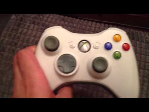 How to - hold an Xbox 360 controller (with one hand)