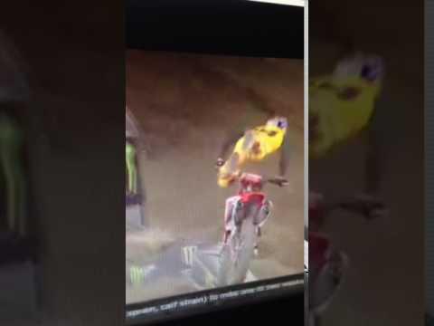 Ken Roczen Giant Crash!!!! - 2017 Anahiem 2 Supercross Round 3